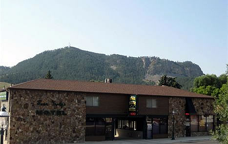 Bear Lodge Motel