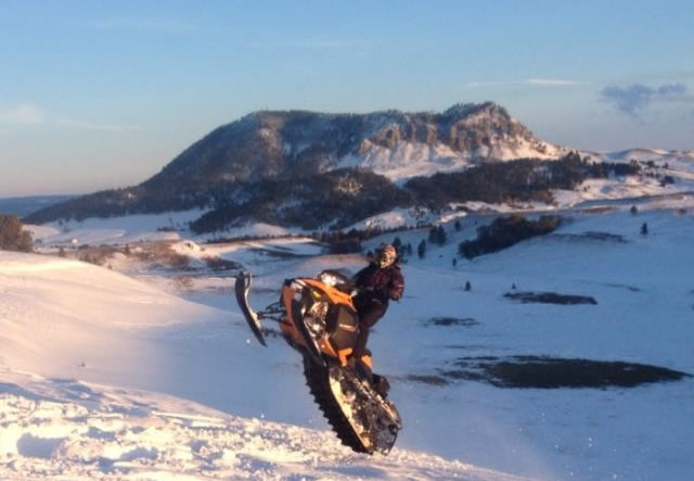 bearlodge-mountains-snowmobiling